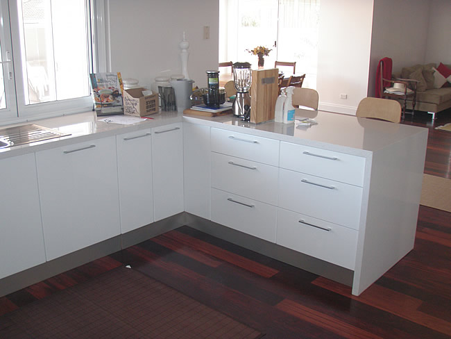 Efficient carpentry perth western australia for Flat pack kitchen cabinets perth